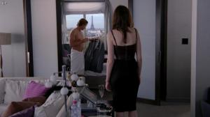Anne Hathaway dans le Diable s habille en Prada - 04/12/11 - 08