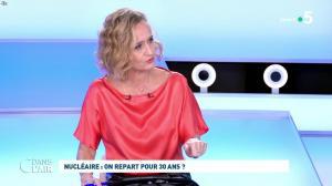 Caroline Roux dans C dans l'Air - 12/10/21 - 02