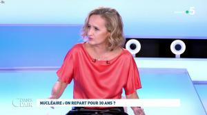 Caroline Roux dans C dans l'Air - 12/10/21 - 21