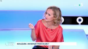 Caroline Roux dans C dans l'Air - 12/10/21 - 40