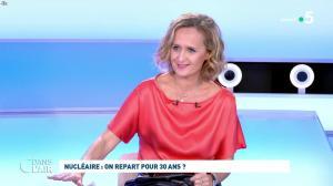 Caroline Roux dans C dans l'Air - 12/10/21 - 50