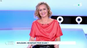Caroline Roux dans C dans l'Air - 12/10/21 - 56