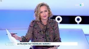 Caroline Roux dans C dans l'Air - 21/10/21 - 01