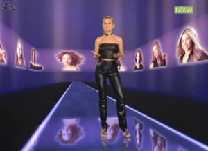 Cécile Simeone dans Top Model USA 2 - 10/12/04 - 3