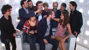 Alice David dans le Grand Journal de Canal Plus - 27/08/12 - 01
