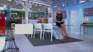 Anne-Sophie Lapix dans C à Vous - 14/10/13 - 001