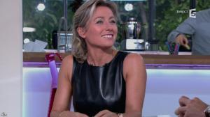 Anne-Sophie Lapix dans C à Vous - 14/10/13 - 040