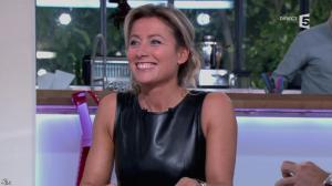 Anne-Sophie Lapix dans C à Vous - 14/10/13 - 043