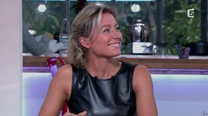 Anne-Sophie Lapix dans C à Vous - 14/10/13 - 092