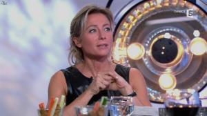 Anne-Sophie Lapix dans C à Vous - 14/10/13 - 141