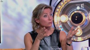 Anne-Sophie Lapix dans C à Vous - 14/10/13 - 162