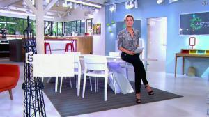 Anne-Sophie Lapix dans C à Vous - 22/05/14 - 01