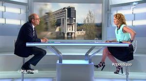 Caroline Roux dans C Politique - 27/04/14 - 11