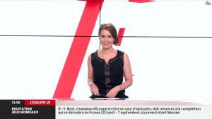 Elodie Poyade dans Menu Sport - 12/08/14 - 05