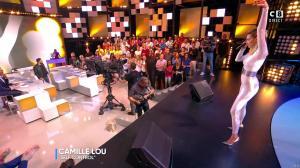 Camille Lou dans Touche pas à mon Poste - 25/09/17 - 36