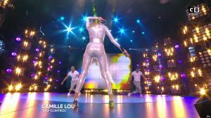 Camille Lou dans Touche pas à mon Poste - 25/09/17 - 39