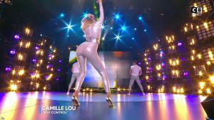 Camille Lou dans Touche pas à mon Poste - 25/09/17 - 40