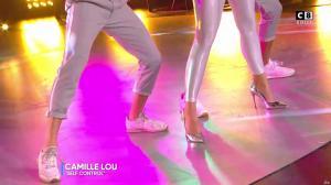 Camille Lou dans Touche pas à mon Poste - 25/09/17 - 45