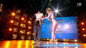 Camille Lou dans Touche pas à mon Poste - 25/09/17 - 73