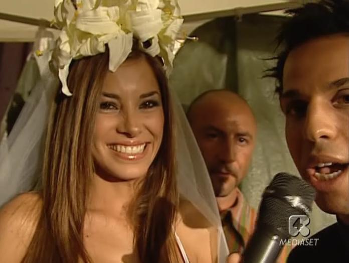 Aida Yespica dans Sfilata Di Moda. Diffusé à la télévision le 06/06/05.