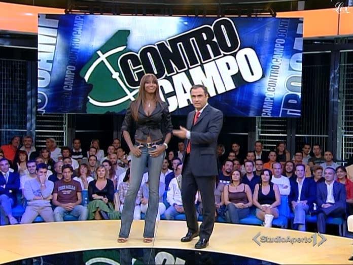 Ainett Stephens dans Controcampo. Diffusé à la télévision le 24/09/06.