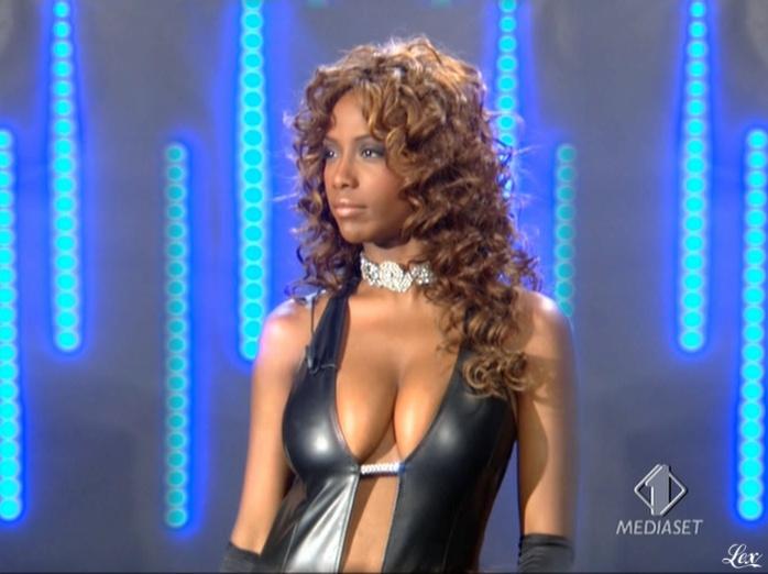 Ainett Stephens dans Mercante In Fiera. Diffusé à la télévision le 29/09/10.