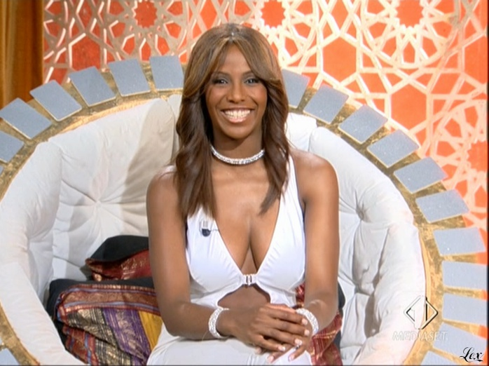 Ainett Stephens dans Mercante In Fiera. Diffusé à la télévision le 30/09/10.