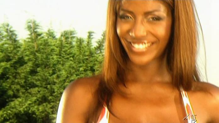 Ainett Stephens dans RTV. Diffusé à la télévision le 05/09/06.