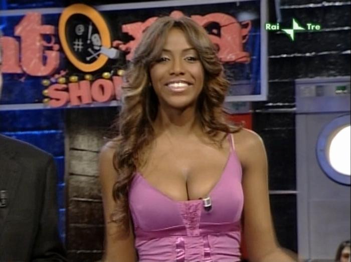 Ainett Stephens dans Tintoria Show. Diffusé à la télévision le 26/01/08.