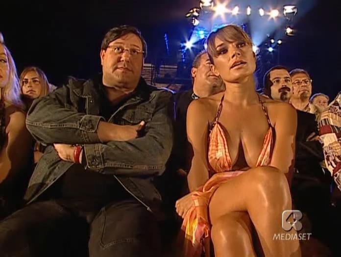 Alena Seredova dans Sfilata Di Moda. Diffusé à la télévision le 06/06/05.