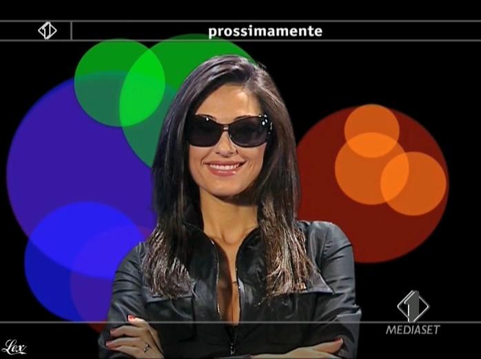 Anna Tatangelo dans Italia1. Diffusé à la télévision le 13/05/09.