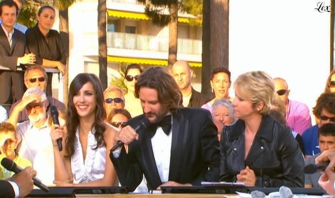 Ariane Massenet et Elise Chassaing dans le Grand Journal De Canal Plus. Diffusé à la télévision le 18/05/09.