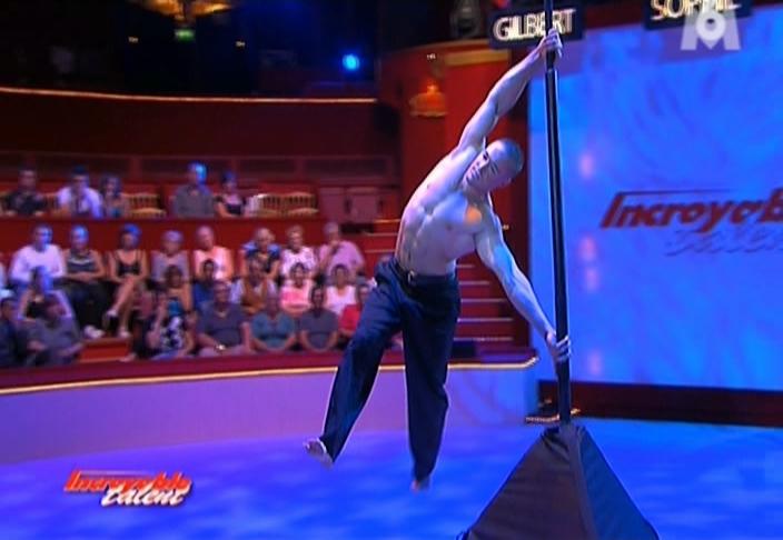 Dominic Lacasse dans Incroyable Talent. Diffusé à la télévision le 02/10/08.