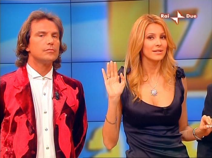 Adriana Volpe dans In Famiglia. Diffusé à la télévision le 02/03/08.