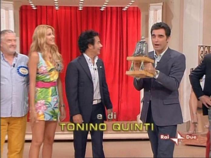 Adriana Volpe dans In Famiglia. Diffusé à la télévision le 08/10/06.
