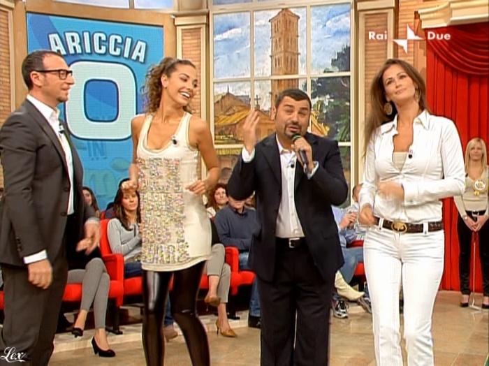 Laura Barriales, Samantha De Grenet et Mezzogiorno In Famiglia dans P1. Diffusé à la télévision le 17/10/09.