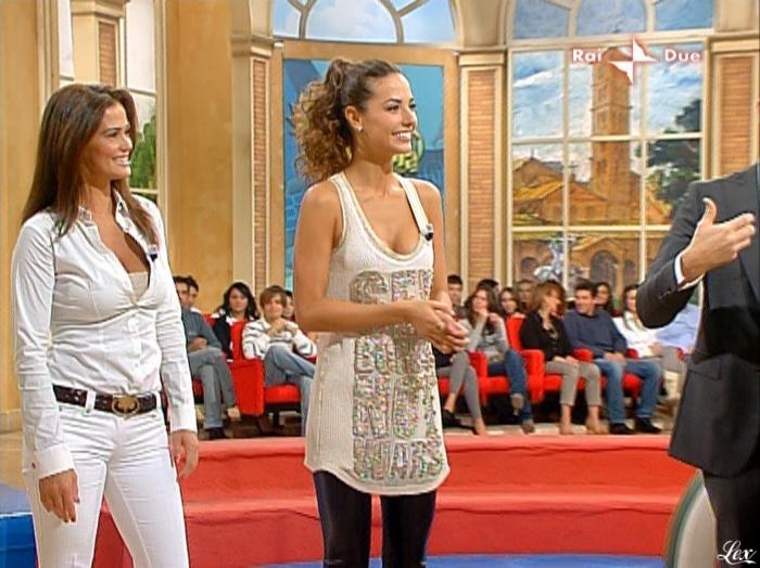 Laura Barriales, Samantha De Grenet et Mezzogiorno In Famiglia dans P2. Diffusé à la télévision le 17/10/09.