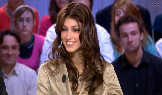 Sophie Vouzelaud dans le Grand Journal De Canal Plus. Diffusé à la télévision le 29/10/08.