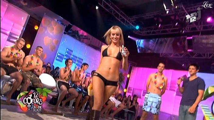 Victoria dans 12 Coeurs. Diffusé à la télévision le 03/12/08.