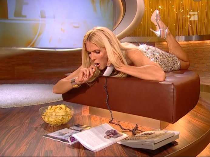 Sonya Kraus dans Talk Talk Talk. Diffusé à la télévision le 02/12/06.