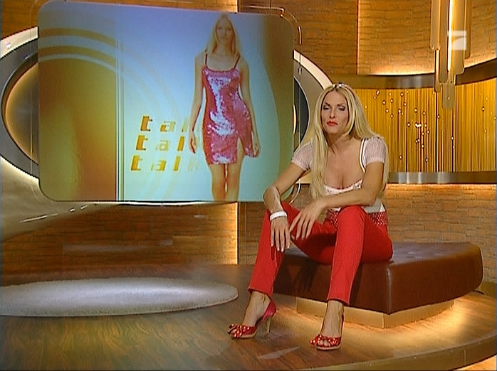 Sonya Kraus dans Talk Talk Talk. Diffusé à la télévision le 15/12/07.