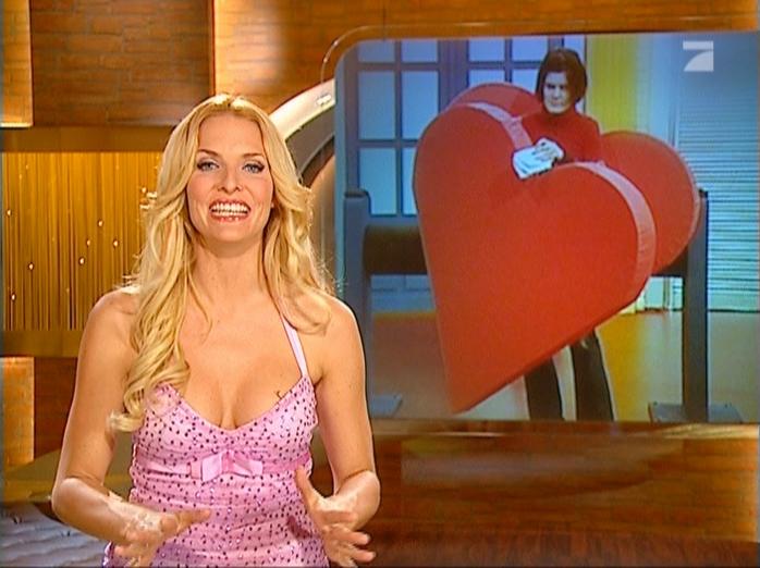 Sonya Kraus dans Talk Talk Talk. Diffusé à la télévision le 28/07/07.