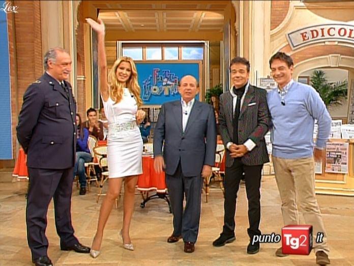 Adriana Volpe dans I Fatti Vostri. Diffusé à la télévision le 17/11/09.