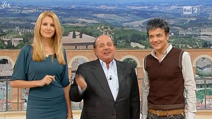 Adriana Volpe dans I Fatti Vostri. Diffusé à la télévision le 21/12/10.