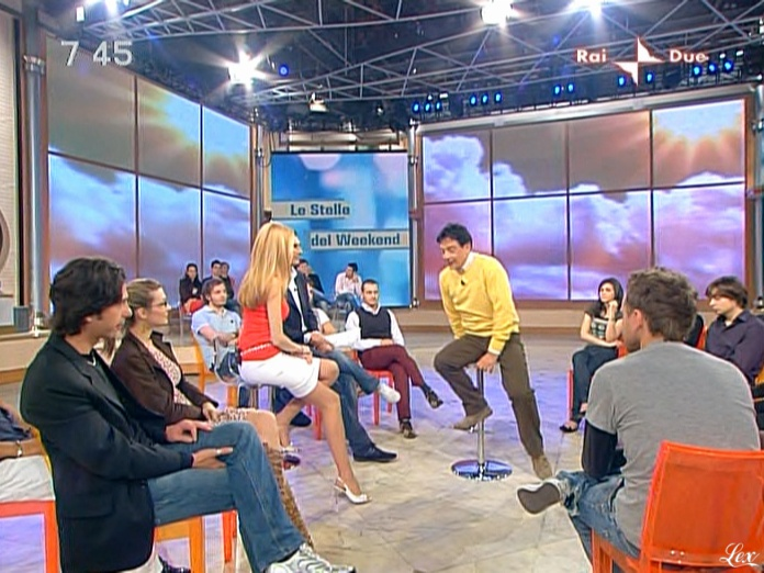 Adriana Volpe dans Mattina In Famiglia. Diffusé à la télévision le 09/05/09.