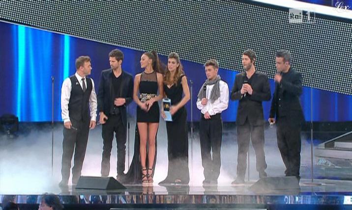 Belen Rodriguez et Elisabetta Canalis dans San Remo. Diffusé à la télévision le 18/02/11.