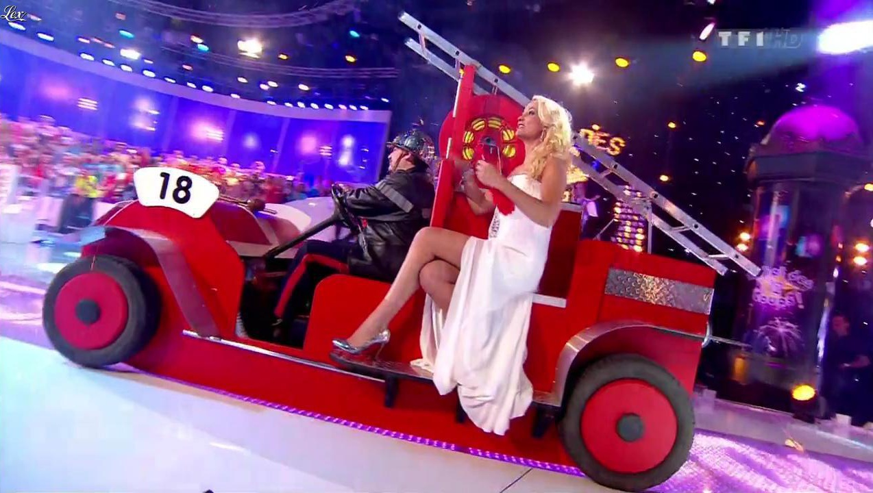 Elodie Gossuin dans le Bal des 12 Coups. Diffusé à la télévision le 14/07/12.