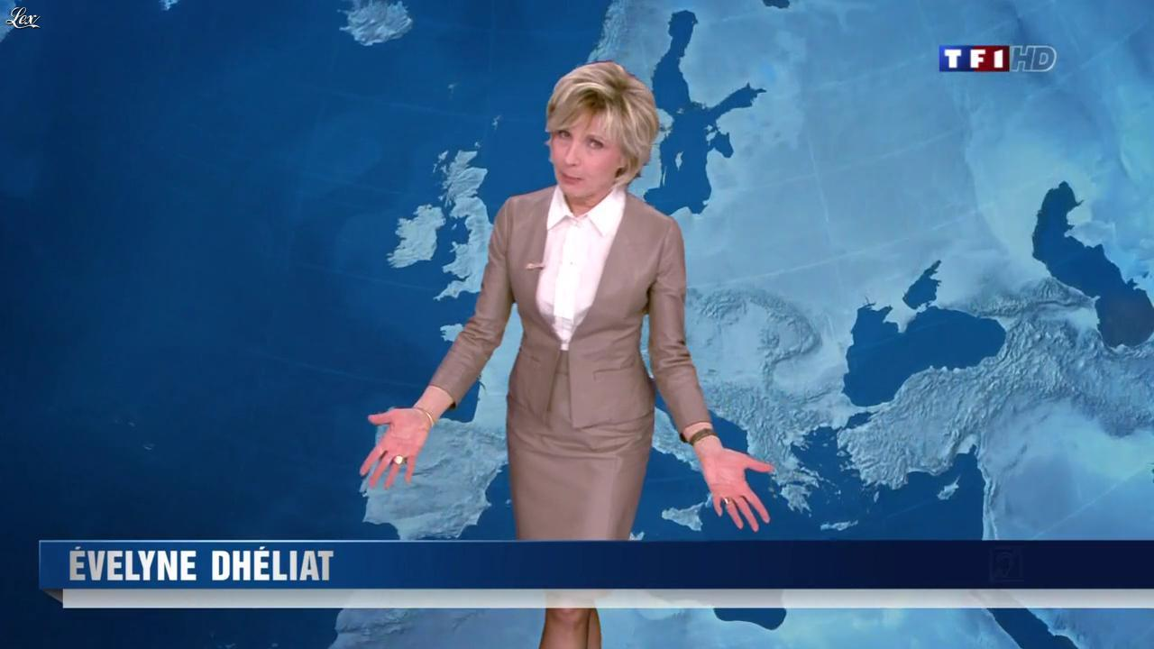 Evelyne Dhéliat à la Météo de 20h. Diffusé à la télévision le 08/03/12.