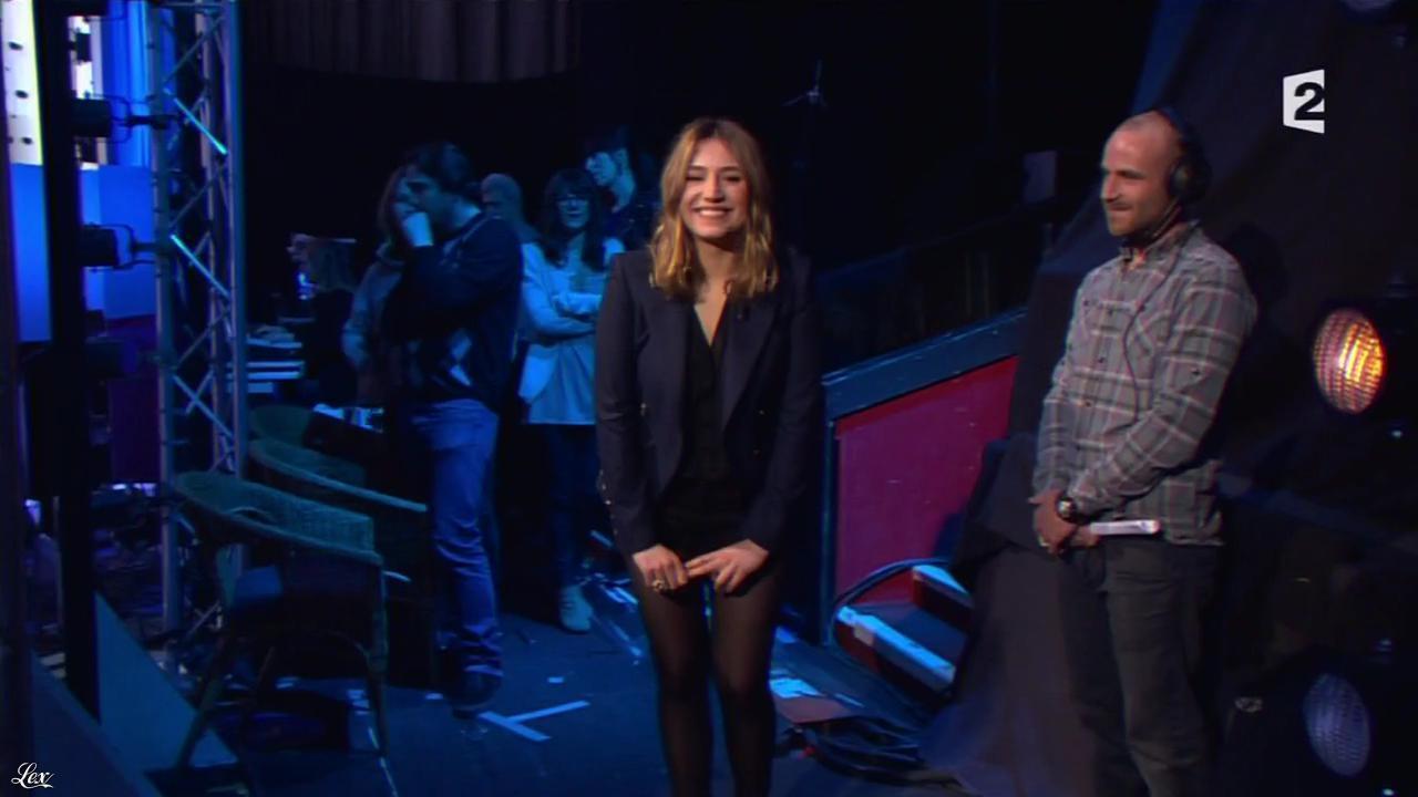 Izia dans On n'est pas Couché. Diffusé à la télévision le 18/02/12.