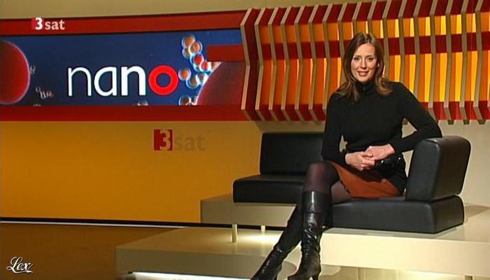 Kristina Zur Mühlen dans Nano. Diffusé à la télévision le 23/11/11.